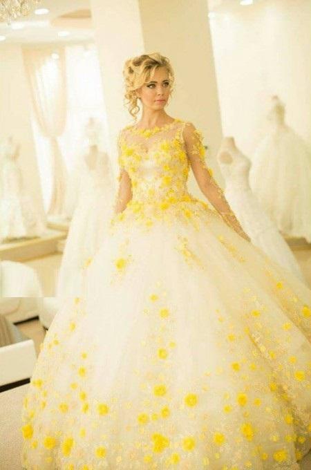6 - لباس سفید عروس بهترین رنگ برای لباس عروس