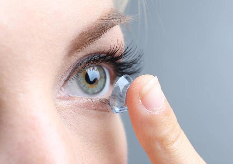 4 - خرید لنز چشم رنگی یا خرید لنز چشم طبی ؟