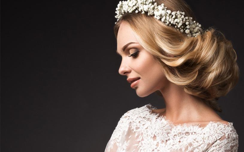 7 - مدل مو عروس ساده و زیبا با توجه به جدیدترین مدل آرایش مو و صورت عروس