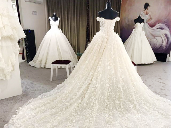 5 - لباس سفید عروس بهترین رنگ برای لباس عروس