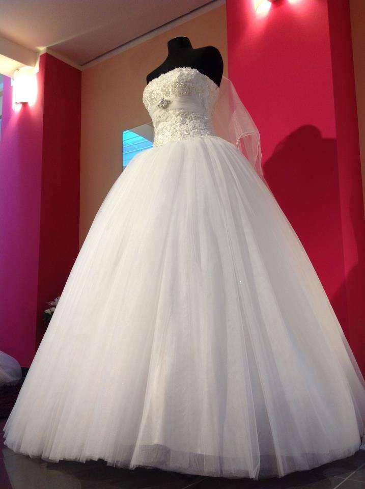 3 - نکاتی که میشه واسه انتخاب لباس عروس در مزون عروس به اون فکر کرد.