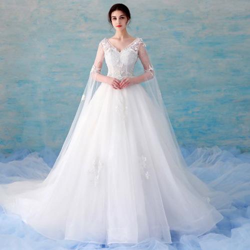 6 - نکاتی که میشه واسه انتخاب لباس عروس در مزون عروس به اون فکر کرد.