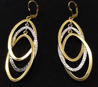 1 - گوشواره طلا یک گوشواره مناسب برای انتخاب گوشواره عروس
