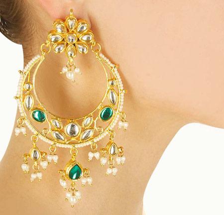 2 - گوشواره طلا یک گوشواره مناسب برای انتخاب گوشواره عروس