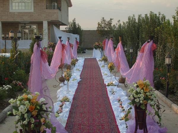 1 - تزیین جشن و گل آرایی عروسی مهمترین موضوع در برگزاری مراسم عروسی