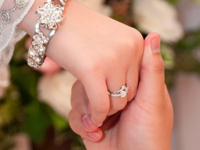 2 - فاصله زمانی مناسب عقد تا عروسی