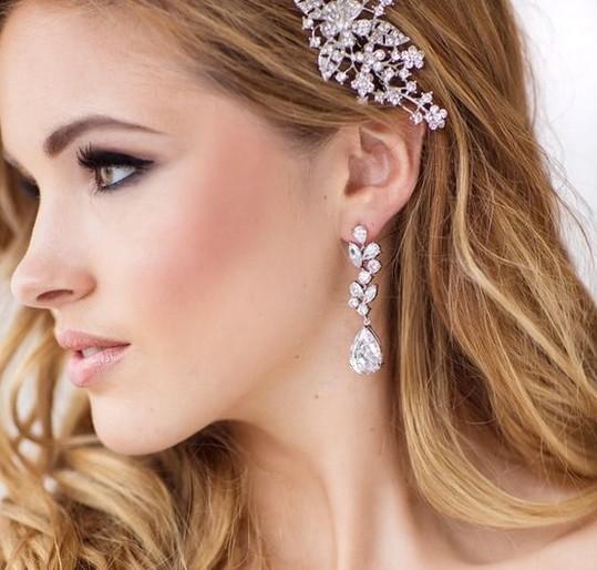 8 - گوشواره طلا یک گوشواره مناسب برای انتخاب گوشواره عروس