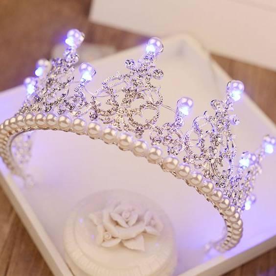 2 - انتخاب بهترین تاج عروسی با توجه به نکات مهم!