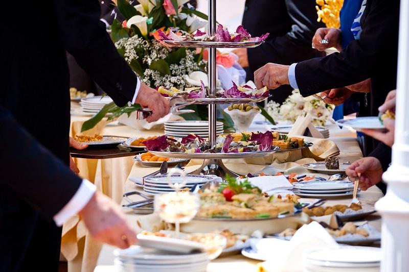 1 - پذیرایی عروسی و نکاتی برای کم شدن هزینه ها