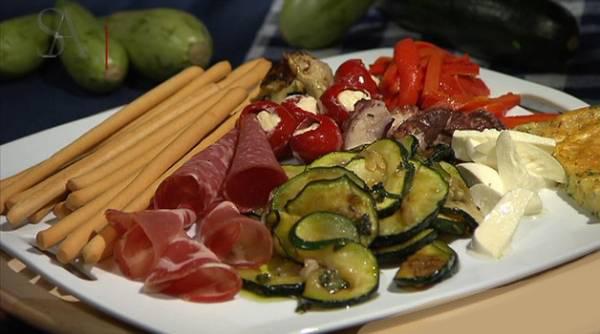 مزه ایتالیایی - طرز تهیه سینی مزه ایتالیایی