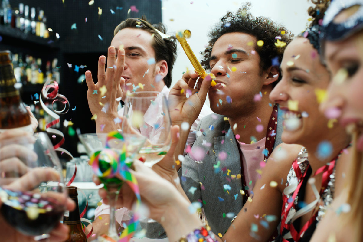 Planning top 5 surprise party cover stories Getty 1200 - نکات کلیدی برای برگزاری جشن و سوپرایز هیجان انگیز