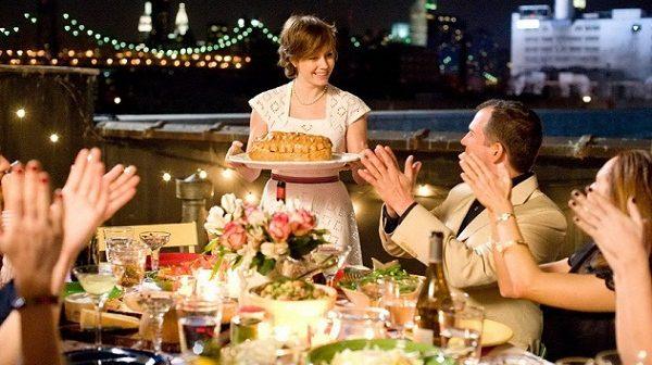 hosting dinner party tips 600x336 - چگونه برای مهمان خودمان میزبان خوبی باشیم؟