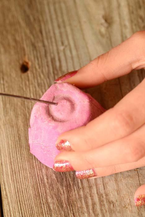 رز کاغذی 15 - گل رز کاغذی ؛گیفت کاغذی خلاقانه که در خانه قابل تهیه است