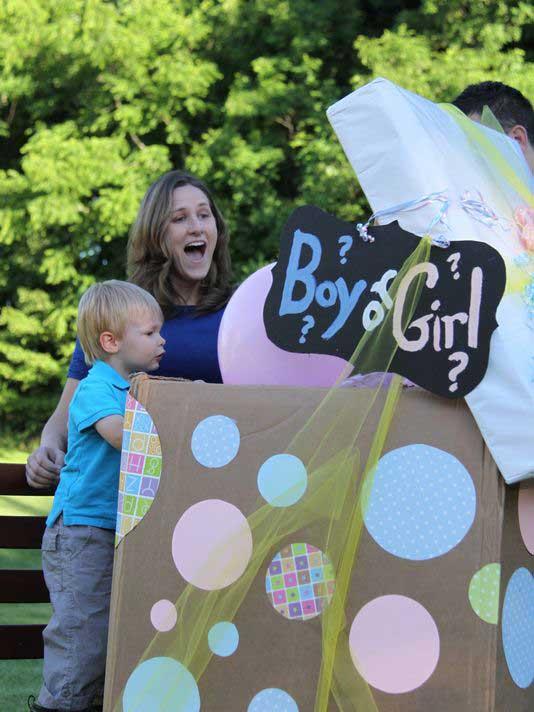 1 6 - سورپرایز بادکنکی برای جشن تعیین جنسیت نوزاد