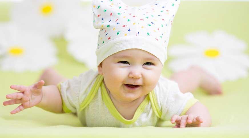 baby girl wearing hat - لباس بچگانه دخترانه برای شرکت در میهمانی جذاب