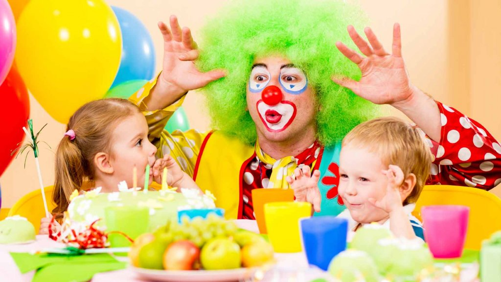 birthday party1 1024x576 - کودکان جشن تولد را نشانه بزرگ شدن می دانند