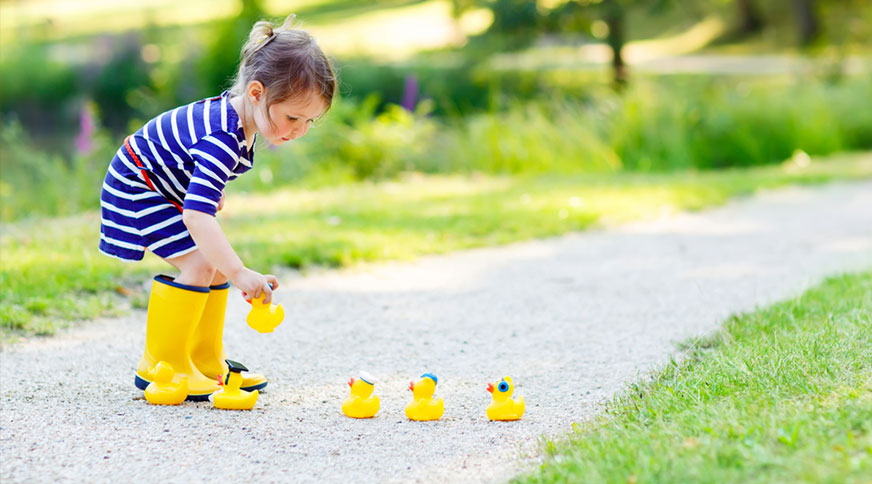 girl yellow summer boots - پیشنهاد خرید کفش دخترانه برای میهمانی باشکوه