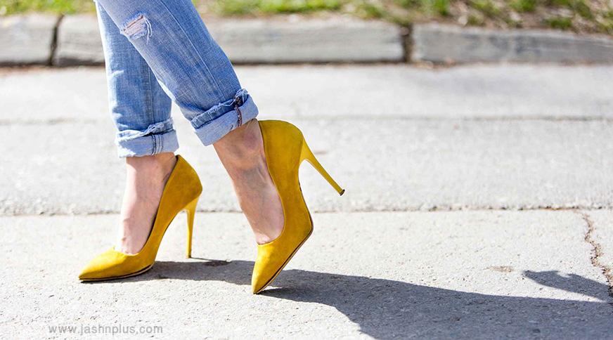 wom yellow high heels - قد بلندها برای میهمانی کدام مدل لباس را بپوشند،کدام را نپوشند؟