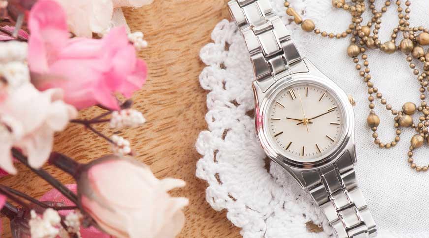women oversized dteel casual watch - پیشنهاد های لباس زنانه و اکسسوری برای میهمانی
