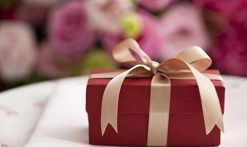 gift 1 - چگونه یک دورهمی دخترانه شاد داشته باشید و خوش بگذرانید