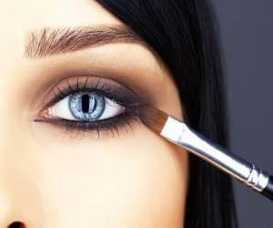 آرایشی - استفاده از چه ترفندهایی در آرایش ما را جوانتر نشان می دهد؟