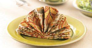 TH1789925D21A 300x157 - تزئین دستمال سفره زیبا برای مهمانی