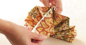 TH1789925D21D 300x157 - تزئین دستمال سفره زیبا برای مهمانی