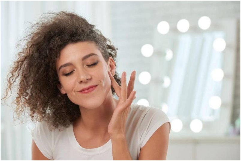 2 - آموزش آرایش ساده صورت برای داشتن ظاهری زیبا در مهمانی