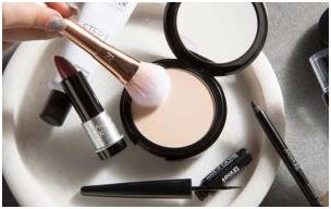 3 - چگونه از ماسیدن آرایش روی صورت درمهمانی جلوگیری کنیم؟