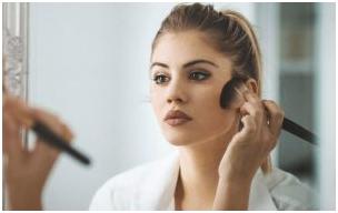 5 - چگونه از ماسیدن آرایش روی صورت درمهمانی جلوگیری کنیم؟