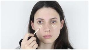 2 - آموزش آرایش چشم اسموکی برای مهمانی همراه با تصویر