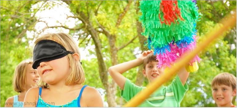 های کودکانه 8 - جشن تولد با بازی پیناتا؛ سرگرمی جالب کودکانه