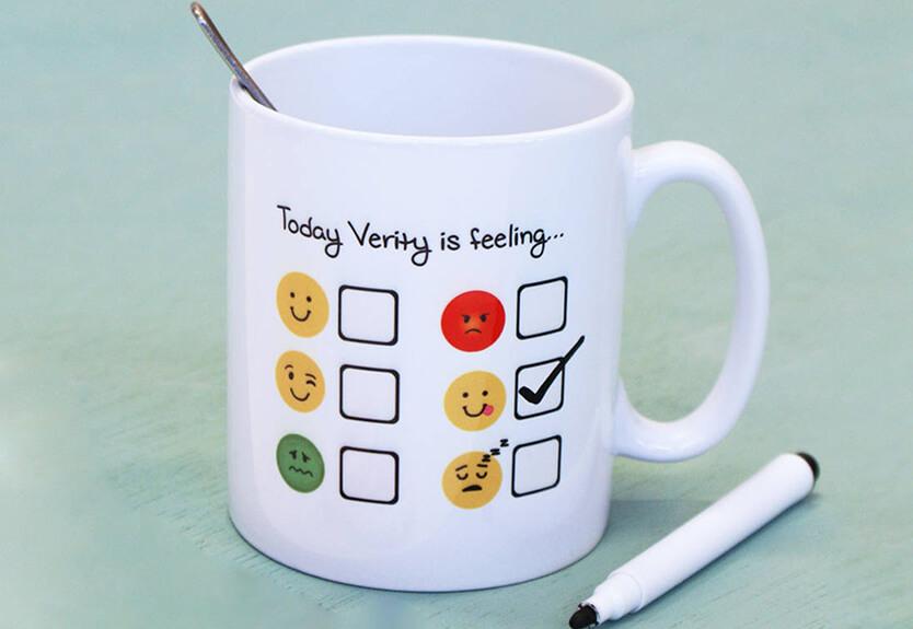 چه هدیه هایی زنان را خوشحال کنیم؟ mug - چه هدیه ای زنانه برای خانم ها خوشحال کننده است؟
