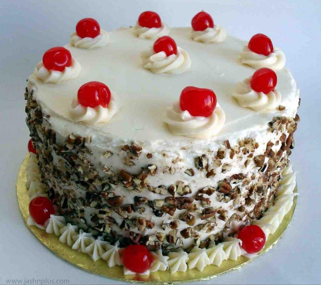 تولد خامه ای ۱ 1024x908 - کیک تولد خامه ای یک انتخاب جالب برای جشن تولد