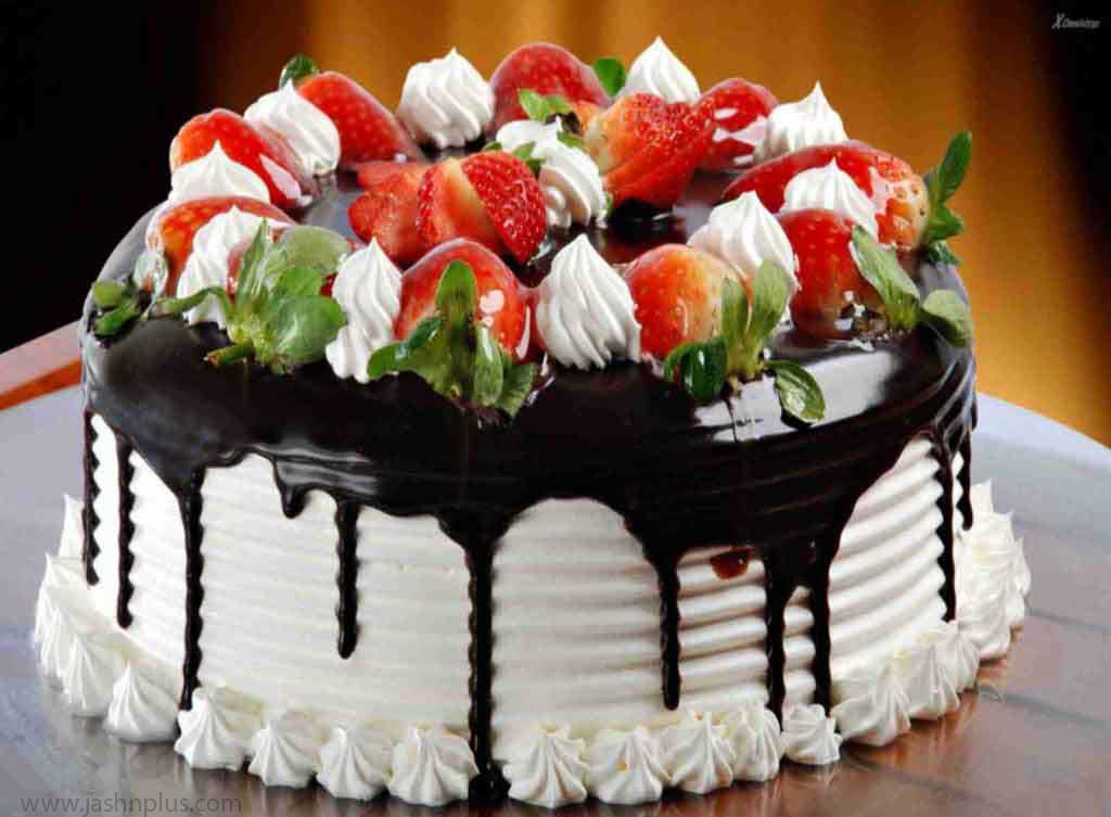تولد خامه ای ۸ 1 - کیک تولد خامه ای یک انتخاب جالب برای جشن تولد