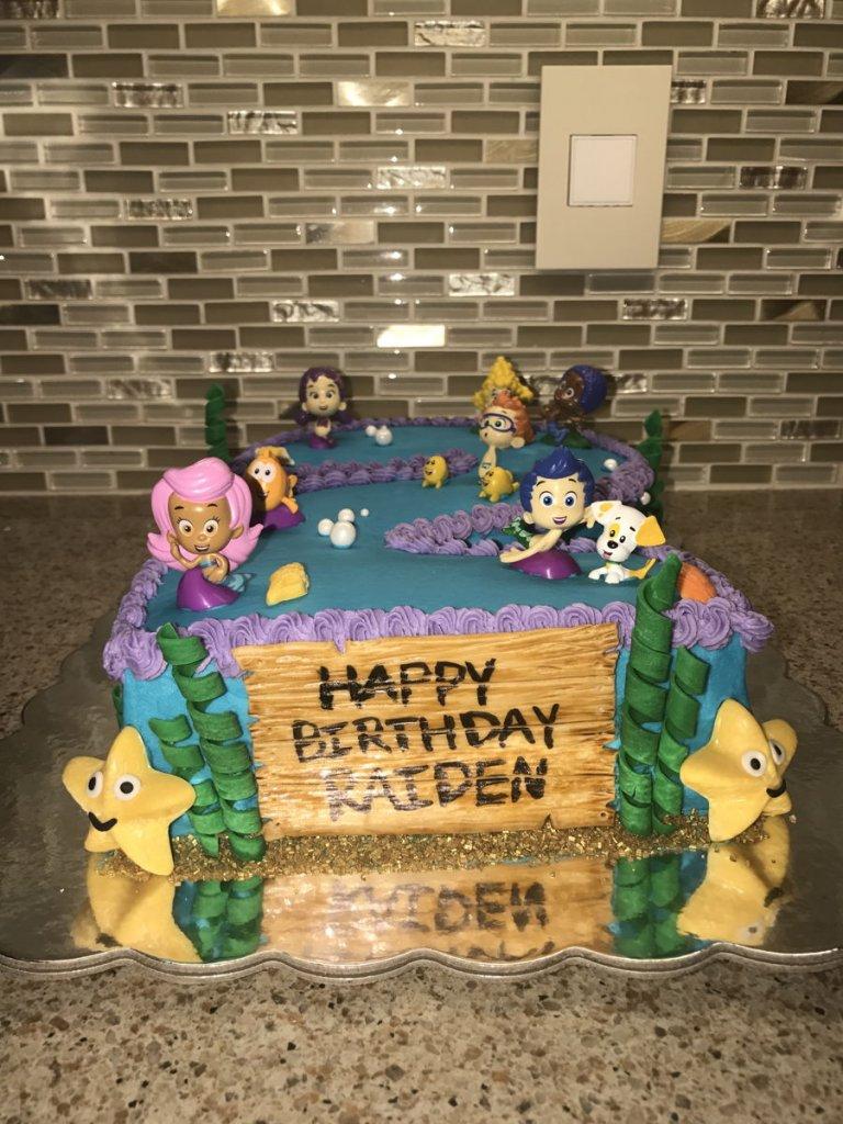 900 bubble guppies buttercream cake 978948lkEeC 768x1024 - کیک تولد با تم کودکانه