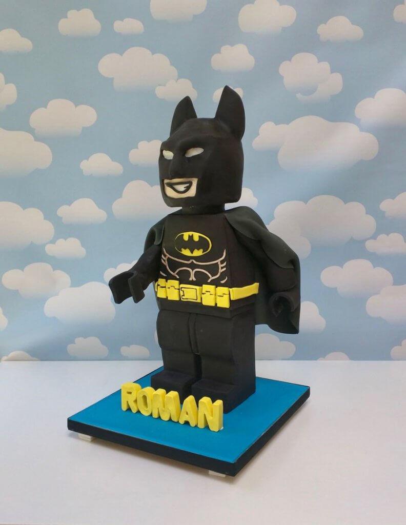 900 lego batman cake 963095Venlt 792x1024 - کیک تولد با تم کودکانه