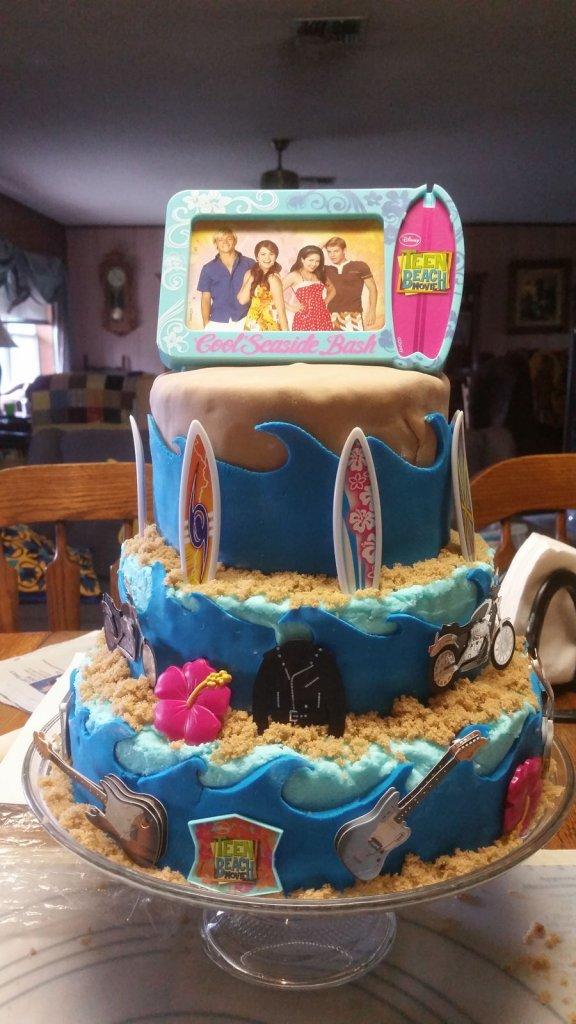 900 teen beach movie 834705vhZD9 576x1024 - کیک تولد با تم کودکانه