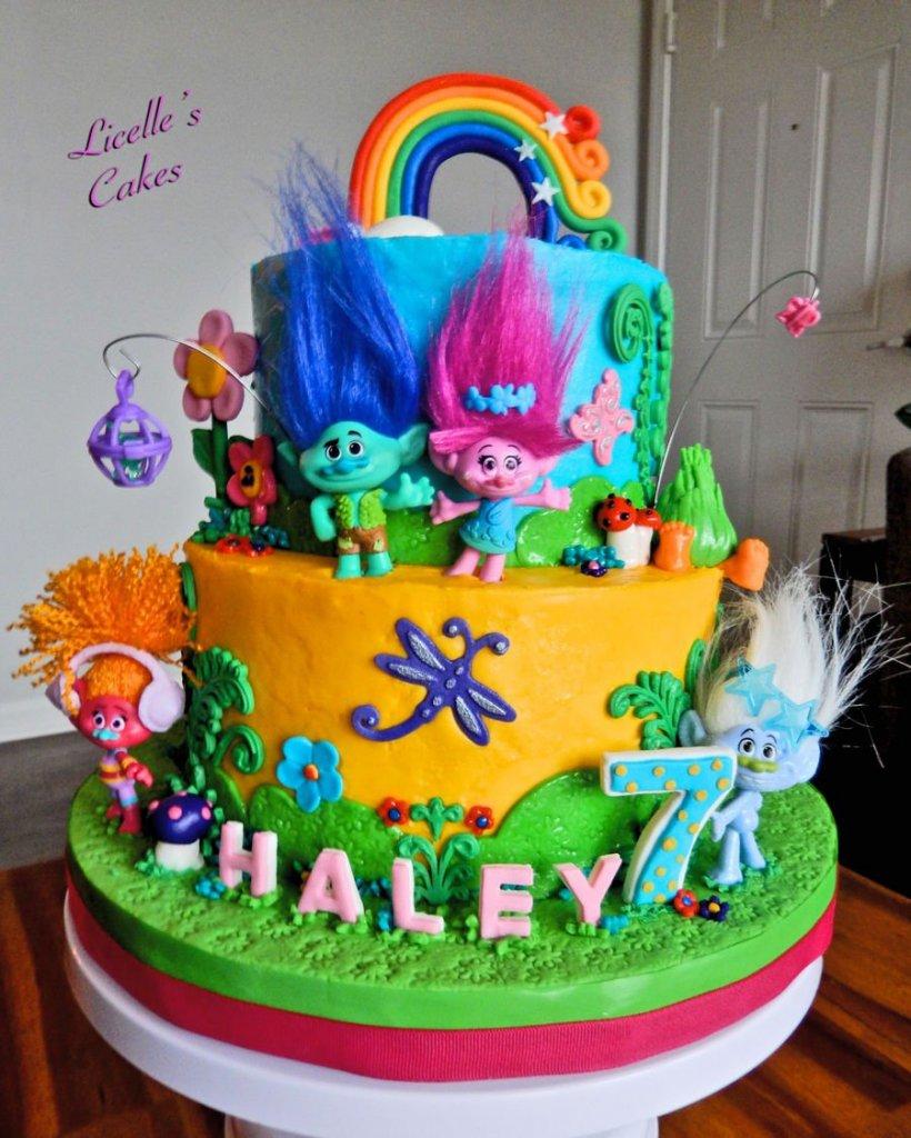 900 trolls themed cake 989190gUQgd 820x1024 - کیک تولد با تم کودکانه