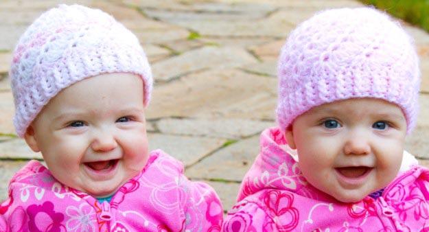 Popular Twin Girl Names - کادوی تولد برای دوقلوها؛ نکاتی که باید بدانیم