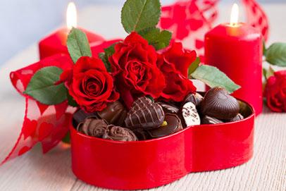 Valentines Day chocolates - در هنگام خرید کادو برای خانم ها این موارد را در نظر داشته باشید؟