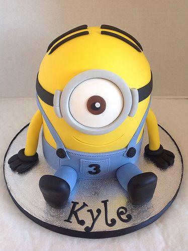 b1ce772dbb3ae3a6869f724ea8edc37c - کیک تولد مینیون مخصوص تولد کودک