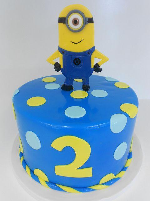 b3043292a217394260a61b5647893c26 - کیک تولد مینیون مخصوص تولد کودک