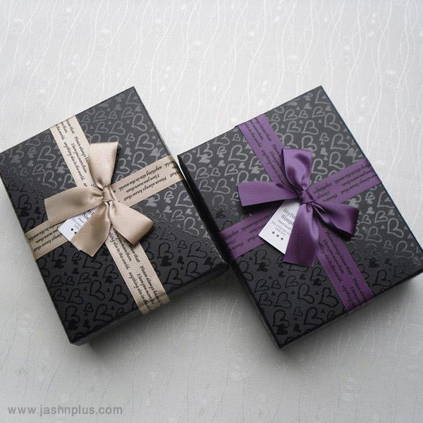pl619740 5 5 4 inch cardboard decorating gift boxes two piece type with ribbon bow - کادوی تولد برای دوقلوها؛ نکاتی که باید بدانیم