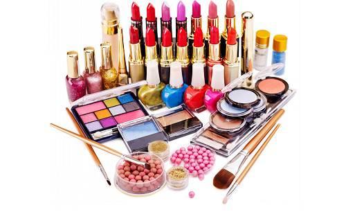 Cosmetics - بهترین هدیه جذاب برای خانم ها کدام است؟