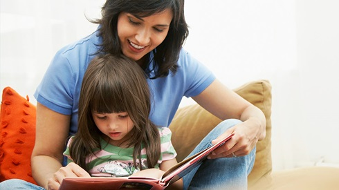 choosing better read aloud books - ایده های سورپرایز روز دختر