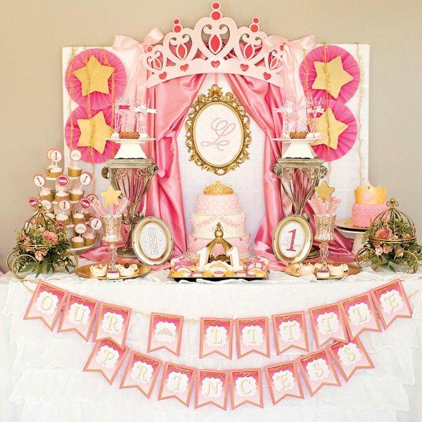 تاج 15 - تم تولد تاج تمی جذاب و مناسب برای تمام سنین