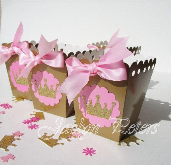 تاج 4 600x577 - تم تولد تاج تمی جذاب و مناسب برای تمام سنین