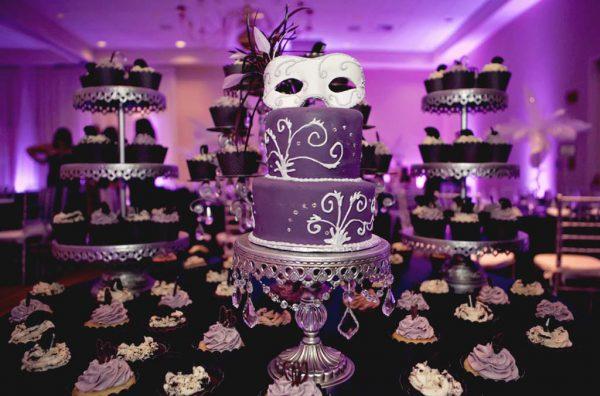 تولد بزگسال 1 10 600x396 - تم تولد بزرگسالان ، ایده هایی برای انتخاب تمی مناسب برای یک بزرگ سال