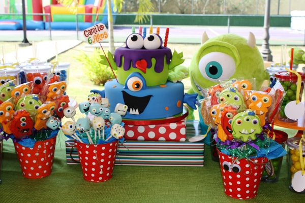 مانستر 10 - تم تولد مانستر ؛ تمی عجیب برای جشنی شاد و دوست داشتنی